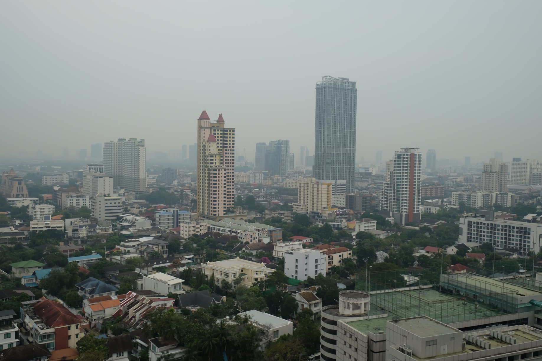ฝุ่นกลืนเมือง PM 2.5 เกินมาตรฐานทั่วกรุงเทพฯ ปริมณฑล ยังต้องทนอีกหลายวัน